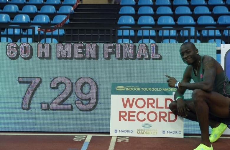 Американец подобри световния рекорд на 60 м с пр.