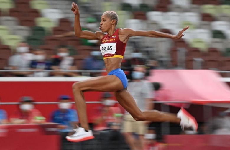 Рохас подобри световния рекорд за олимпийската титла