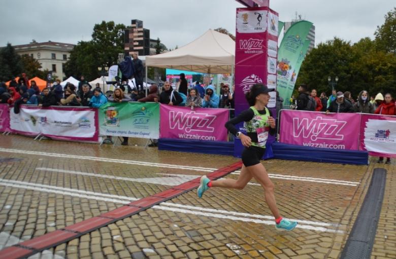Секунда не стигна на Милица Мирчева за рекорд в маратона