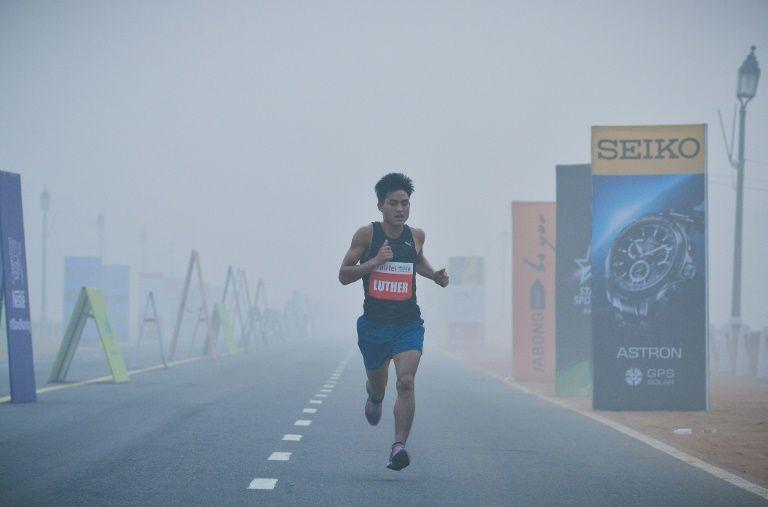 Мръсен въздух спира маратона в Делхи?