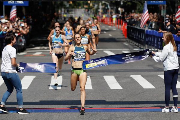 Джени Симпсън с рекордна победа на Милята на Пето авеню