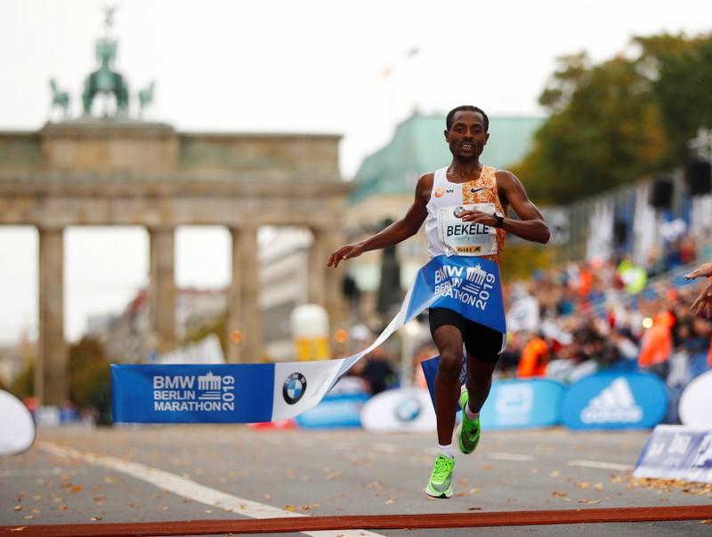 2 секунди отделиха Бекеле от световния рекорд в маратона