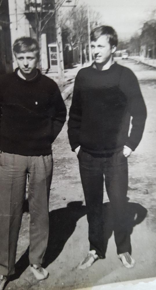 Втората двойка близнаци в средните бягания – на 75