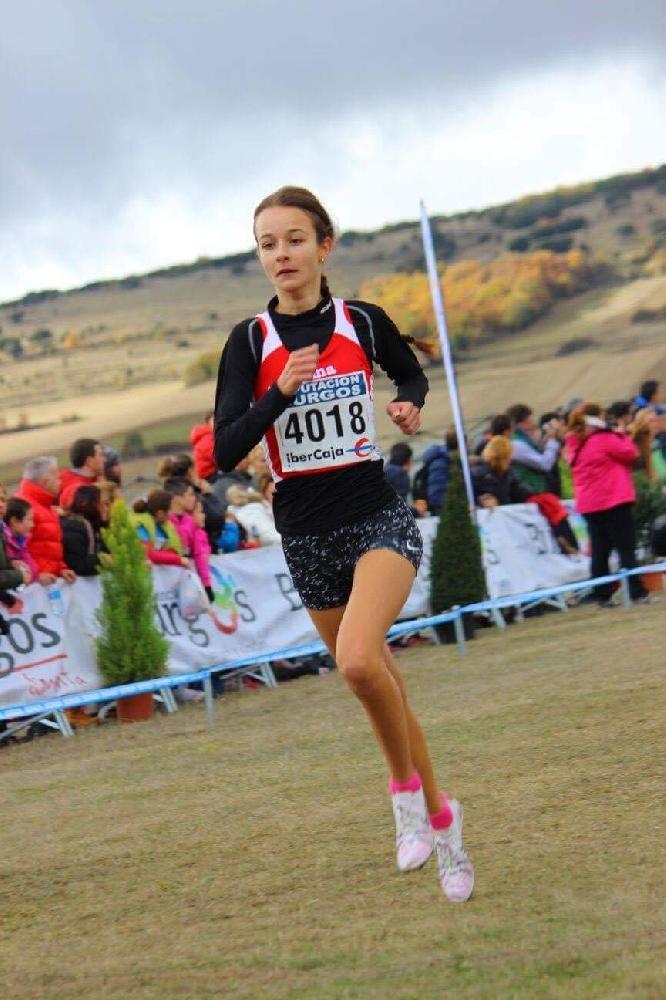 Българско момиче бяга по-бързо от жените във Валенсия