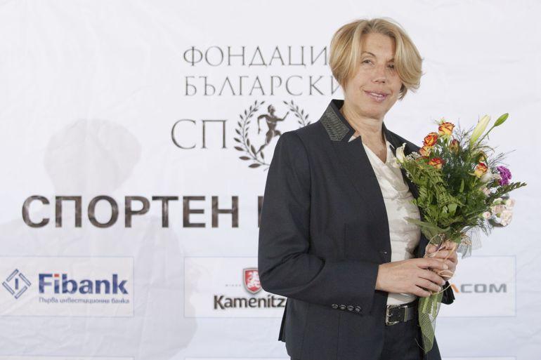 Легендата Николина Щерева повежда колоната на масовия старт в Софийския маратон