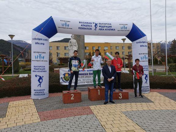 Мустафа и Димитрова шампиони по планинско бягане