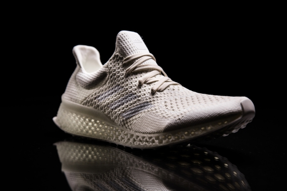 adidas пуска революционни 3D принтирани маратонки