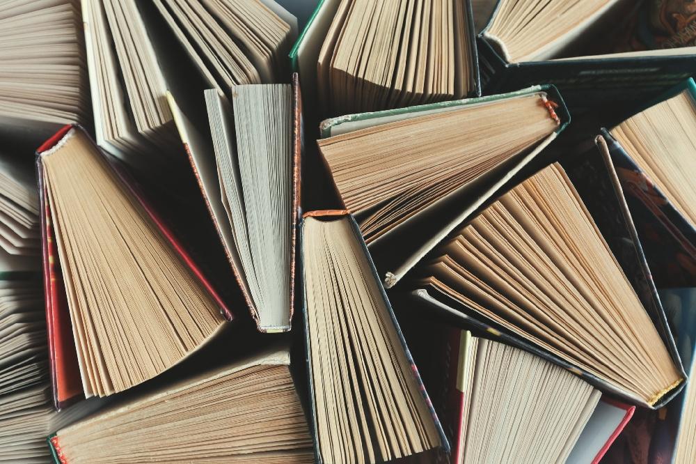 Попълнете домашната си библиотека с книга от BGathletic.com