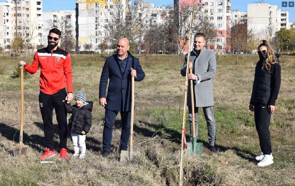 Габрела Петрова подкрепи инициатива за засаждане на дървета