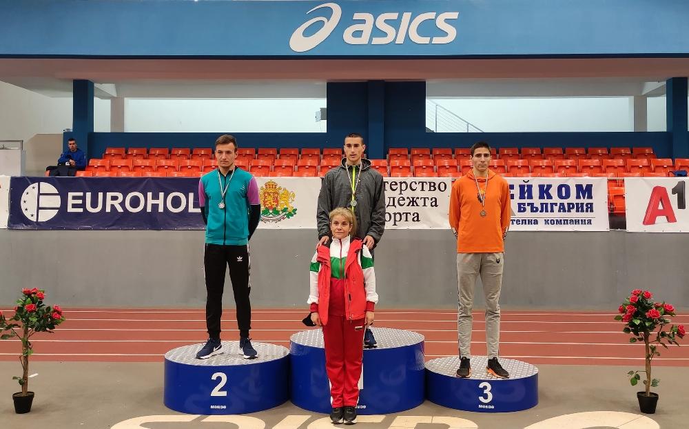 Иван Иванов е шампионът в седмобоя за юноши