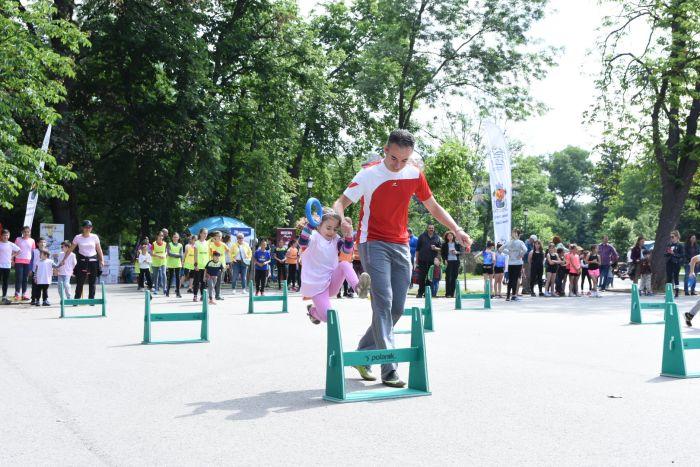 Близо 1000 деца спортуваха заедно със СПРИНТ и Viasport.bg
