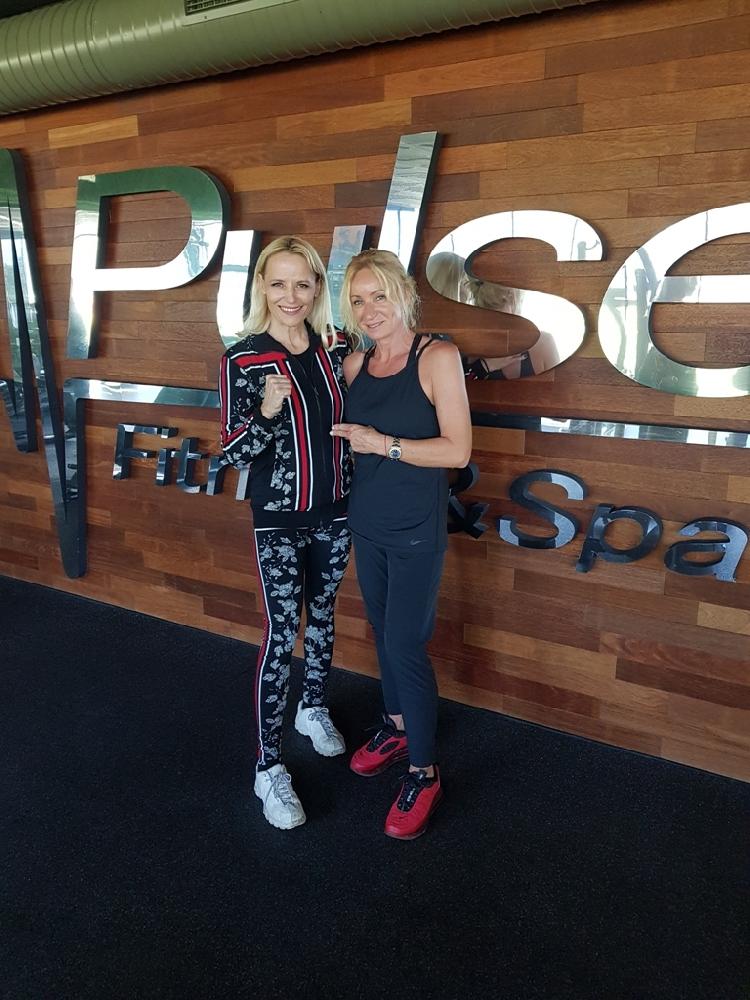 Звездните лица Мария Гроздева и Дейзи Ланг със съвместна тренировка в любимия им фитнес клуб