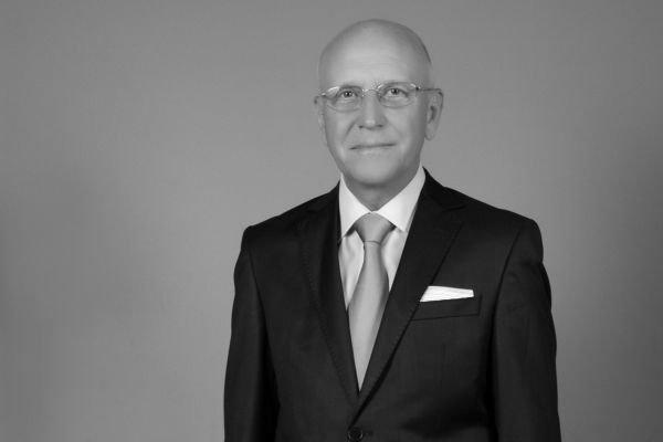 Почина проф. Петър Бонов