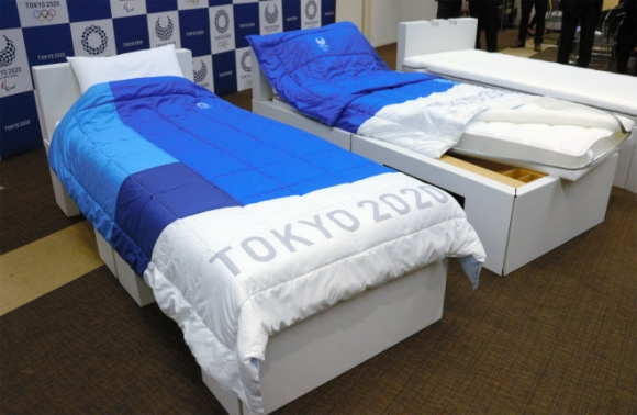 Картонени рамки за леглата в олимпийското село в Токио