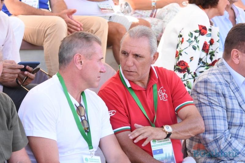 Стоичков подкрепя българските атлети