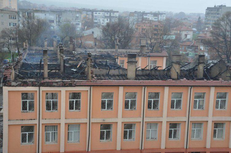 ″ЗД Евроинс″ ще обезщети максимално бързо изгорялото училище в Карнобат
